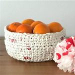 Plochet a Basket (Crochet with Plastic Bags)