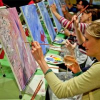Paint Nite - Art class in a bar or restaurant
